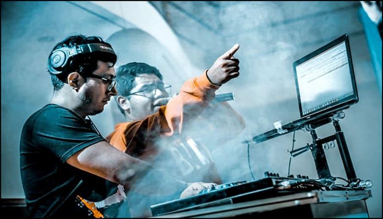 Best DJ Laptop Stand 2021