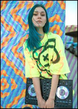 How to Dress Like a professional DJ
